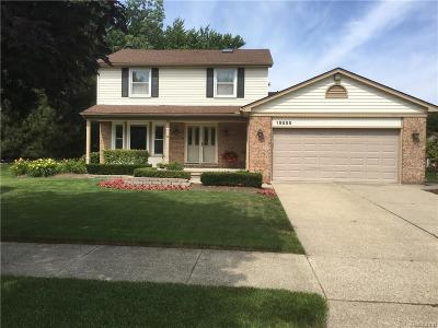 Livonia Single Family Home For Sale: 19555 Stamford Dr