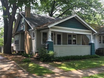 Oakland Multi Family Home For Sale: 279 Fielding St