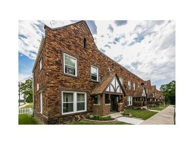 Oakland Multi Family Home For Sale: 1 Maynard Crt