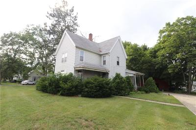 Belleville Single Family Home For Sale: 354 W Columbia Ave