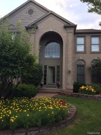Lake Orion Single Family Home For Sale: 3700 Acadia Dr
