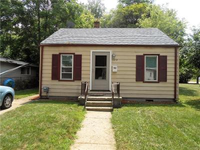 Hazel Park Single Family Home For Sale: 1412 E George Ave E