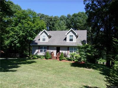 Algonac Single Family Home For Sale: 9267 Field Rd