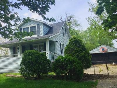 Roseville Single Family Home For Sale: 20751 12 Mile Rd