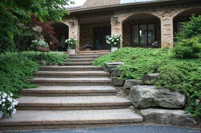 Rochester Single Family Home Pending: 794 Dutton Rd