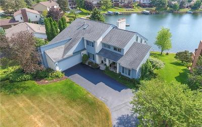 Clarkston Single Family Home Keep Showing-Contgcy Appl: 8621 Harbortowne Dr