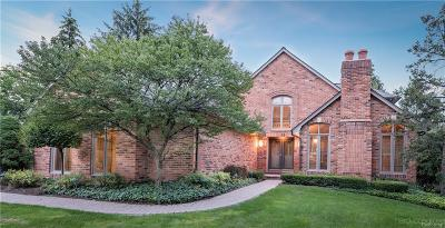 Bloomfield Hills Condo/Townhouse For Sale: 5563 Pine Brooke Crt