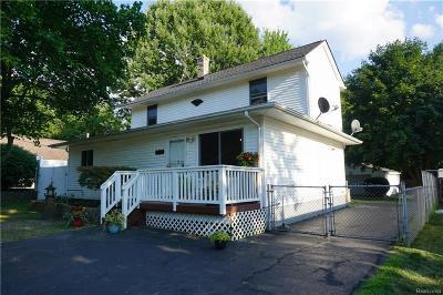 Lake Orion Single Family Home For Sale: 573 Renfrew Ave