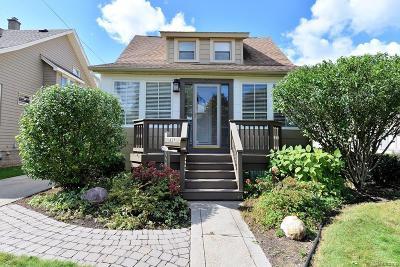 Ferndale Single Family Home For Sale: 857 Laprairie St