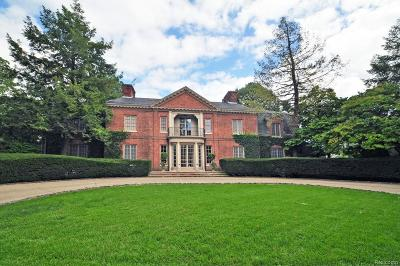 Grosse Pointe Single Family Home For Sale: 30 Preston Place