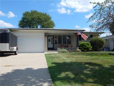 Sterling Heights MI Single Family Home For Sale: $190,000