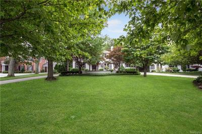 Grosse Pointe Woods Single Family Home For Sale: 571 Renaud