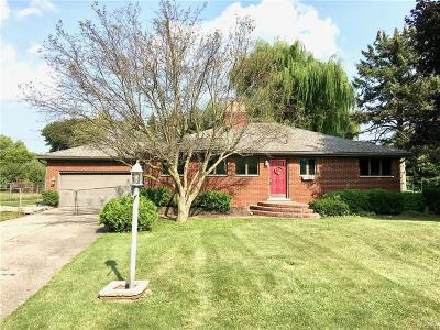 Clinton Township Single Family Home For Sale: 36064 Eaton