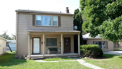Macomb Multi Family Home For Sale: 19140 Indiana St