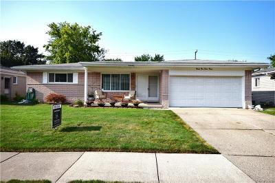 Saint Clair Shores Single Family Home For Sale: 22830 Newberry St