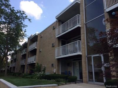 Royal Oak Condo/Townhouse For Sale: 4909 Crooks Rd