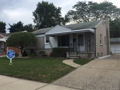 Madison Heights Single Family Home For Sale: 28802 Herbert St