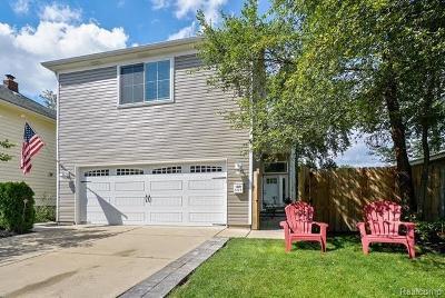 Birmingham Single Family Home For Sale: 1325 E Fourteen Mile Rd