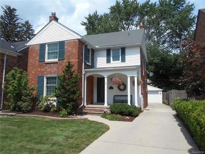 Grosse Pointe Farms MI Single Family Home For Sale: $295,000