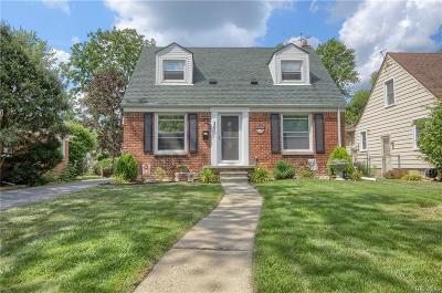 Plymouth Single Family Home For Sale: 361 N Evergreen St