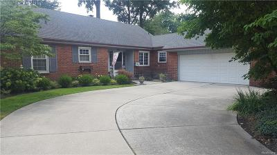 Grosse Pointe Woods MI Single Family Home For Sale: $259,900