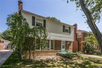 Grosse Pointe Woods MI Single Family Home For Sale: $195,000