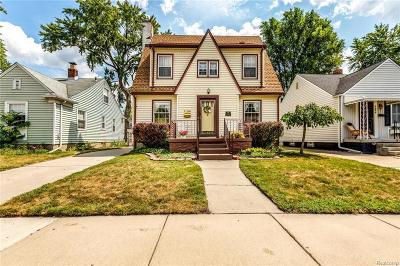 Ferndale Single Family Home For Sale: 1700 Dover Street