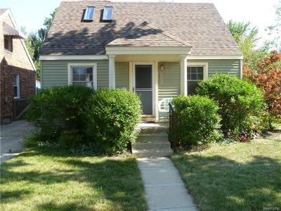 Harper Woods Single Family Home For Sale: 20859 Hollywood St