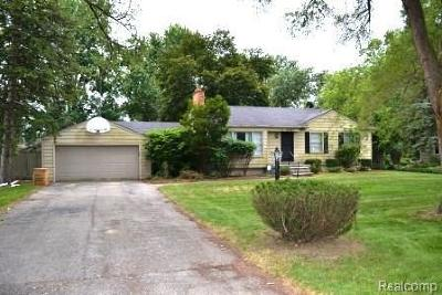 Southfield Single Family Home For Sale: 25045 Muerland Rd