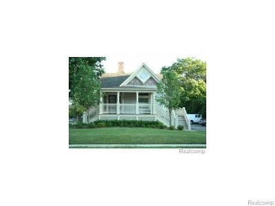 Plymouth Multi Family Home For Sale: 303 W Ann Arbor Trl