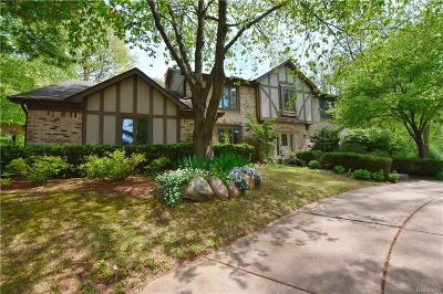 Bloomfield Hills Single Family Home For Sale: 550 Hunters Crossing