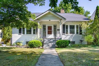 Rochester Single Family Home For Sale: 145 Highland Ave