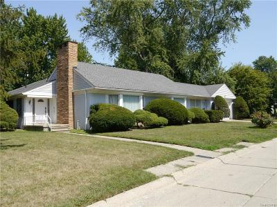Grosse Pointe Farms Single Family Home For Sale: 44 Westwind Ln