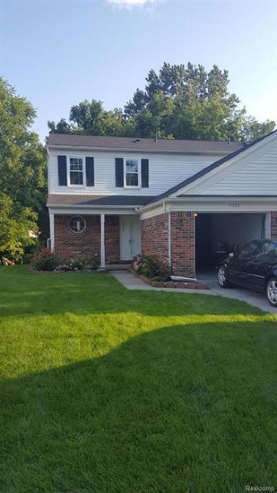 Wayne Condo/Townhouse For Sale: 7323 S Kingston Crt