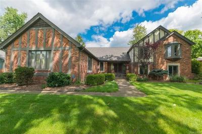 Shelby Twp Single Family Home For Sale: 11737 Whispering Oak Ln