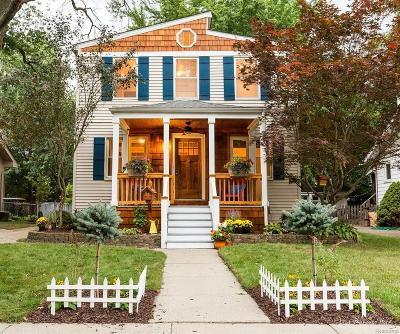 Royal Oak Single Family Home For Sale: 701 Hilldale Dr