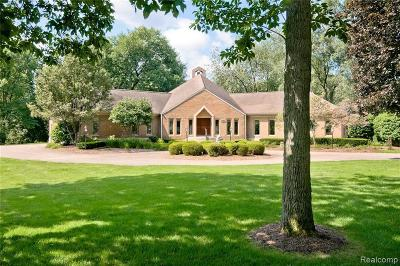 Bloomfield Hills Single Family Home For Sale: 5600 Shadow Ln