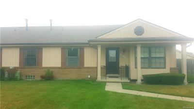 Warren Condo/Townhouse For Sale: 24414 Greenhill Rd