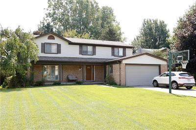 Rochester Hills Single Family Home For Sale: 760 Dartmouth Dr