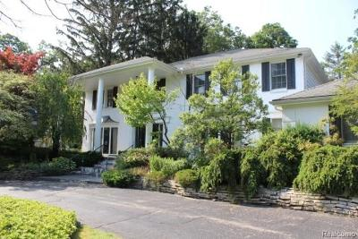 Bloomfield Hills Single Family Home For Sale: 4452 Stony River Dr
