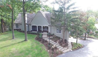Clarkston Single Family Home For Sale: 5427 Bristol Parke