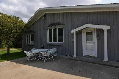 Clarkston Single Family Home For Sale: 5490 Waldon Rd