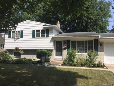 Plymouth Single Family Home For Sale: 925 Fairground St