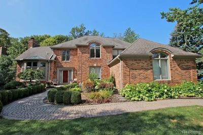 Farmington Hills Single Family Home For Sale: 27989 Trailwood Crt