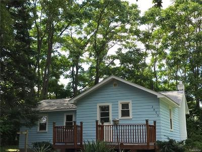 Rochester Single Family Home For Sale: 2870 Leach Rd