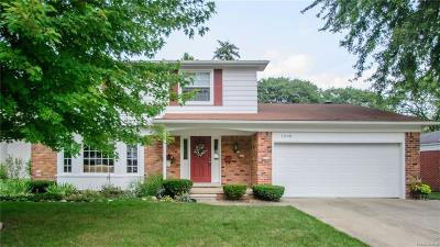 Plymouth Single Family Home For Sale: 1698 Old Salem
