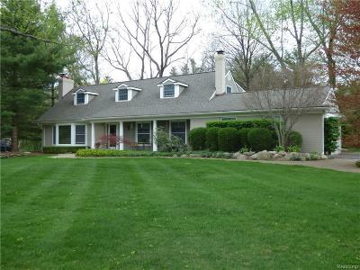 Franklin Single Family Home For Sale: 30921 Roberts Dr