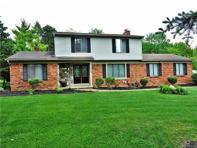 Clarkston Single Family Home For Sale: 5328 Tamarack Park Ln