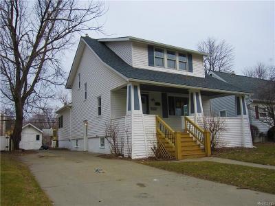 Royal Oak Single Family Home For Sale: 214 W Houstonia Ave