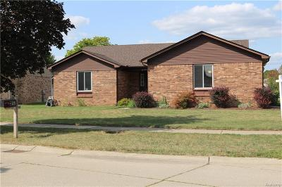 Canton Single Family Home For Sale: 2173 Woodmont Dr W